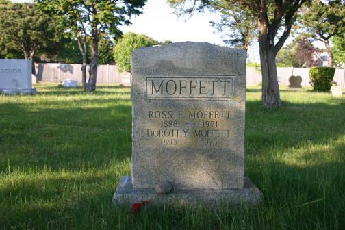 Ross Moffett & Dorothy Lake Gregory grave, Provincetown cemetery